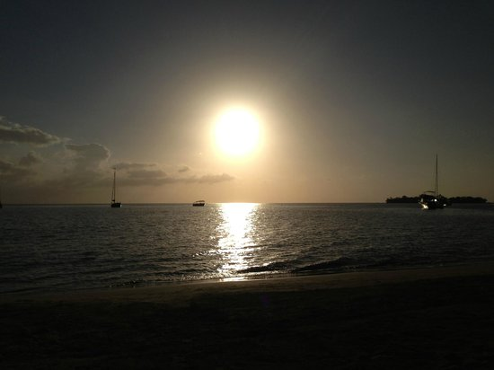 Sandals Negril Beach Resort & Spa : Sunset from the beach