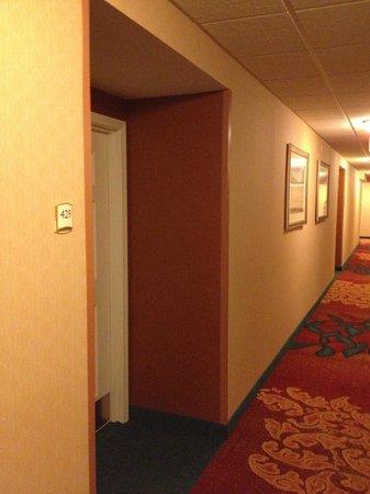 Residence Inn by Marriott Silver Spring: Hallway to Room 429