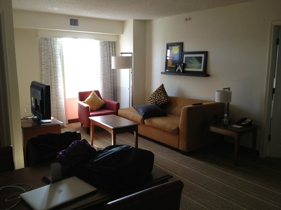 Residence Inn Silver Spring: Room 429 - Sitting Area