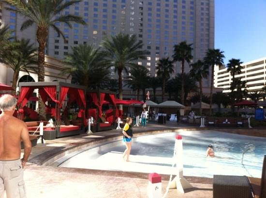Monte Carlo Resort & Casino: wave pool