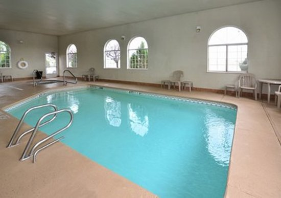 Comfort Inn Gallup : Indoor heated pool