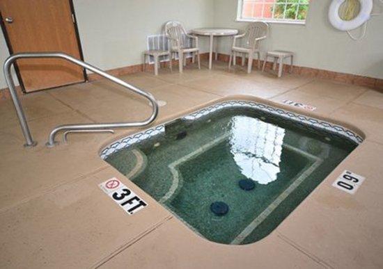 Comfort Inn Gallup: Indoor hot tub