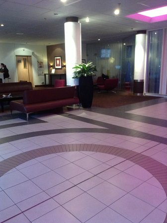 Novotel London Heathrow: Lobby/reception