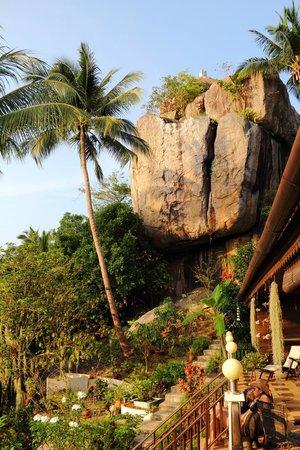 Koh Tao Star Villa: Felsen vom Balkon