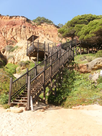 Praia dos Olhos de Água: The begining of the climb back up the stairs