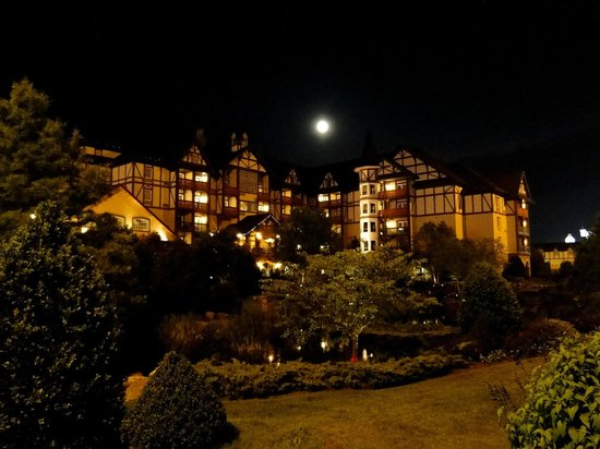 The Inn at Christmas Place : nightime