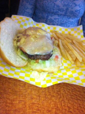 Le Creme Bakery Cafe: Hawaiian Burger pic 1