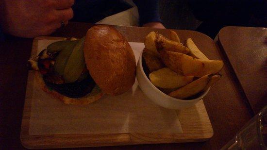 The Goldsmith: Hallumi burger