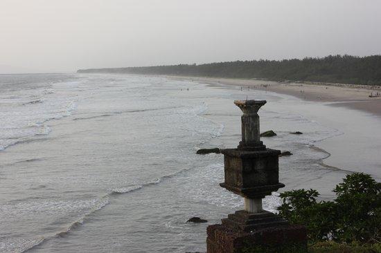 Meenkunnu Beach: Old Beauty