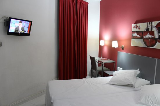 Hotel Medicis : habitacion