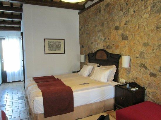 Hotel Aatu : Interior habitación al lado del jardín