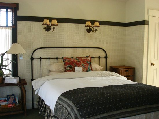 Orchard Hill Country Inn: Bed