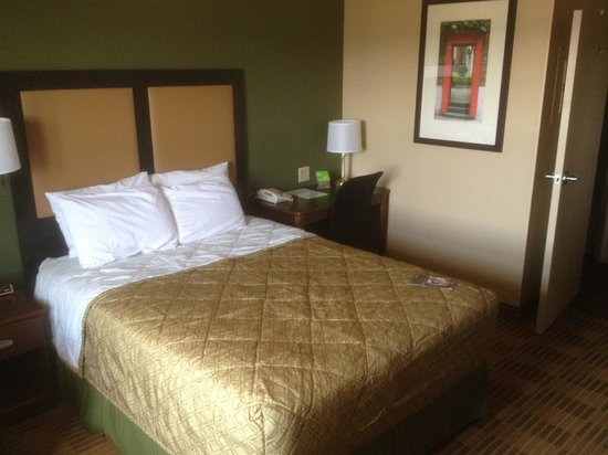 Extended Stay America - Austin - Southwest: Bed