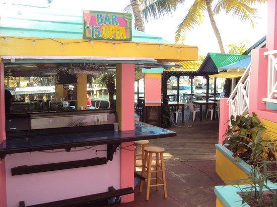 Mamacitas Restaurant and Bar : Bar y restaurante
