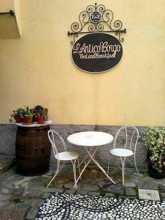 L'Antico Borgo: L'ingresso