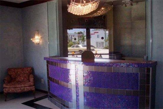 Motel Blu: Lobby