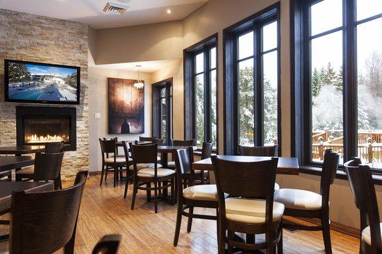 Auberge du Vieux Foyer: Bar le Mistral
