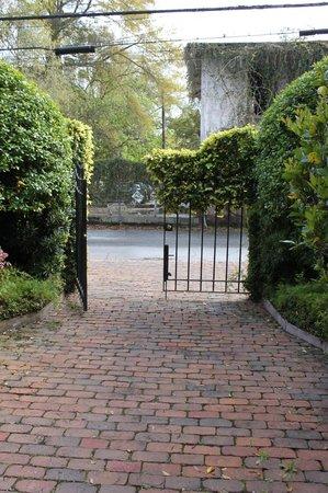 Dresser Palmer House: Back gate