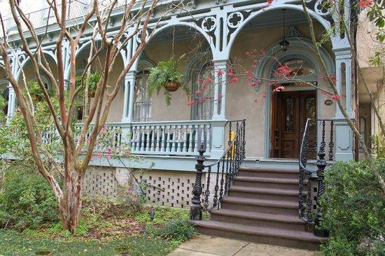 Dresser Palmer House: Front Porch