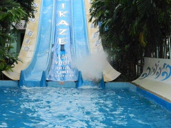 Dam Sen Water Park: Kamikazee!!