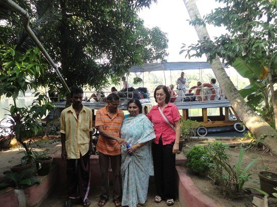 Ayana's Homestay: The hosts: Uni, the ferryman, Gopal and Padma, the owners