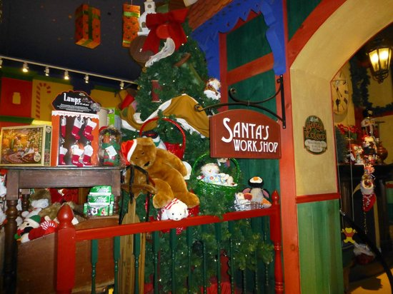 Yankee Candle Flagship Store: Santas workshop