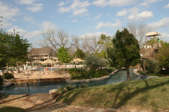 Hyatt Regency Lost Pines Resort and Spa: River and pool