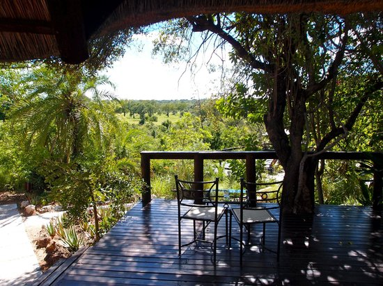 Elephant Plains Game Lodge: terrace in front of the rondavel