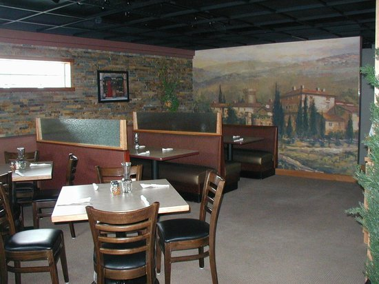 Angelo's : Dining area