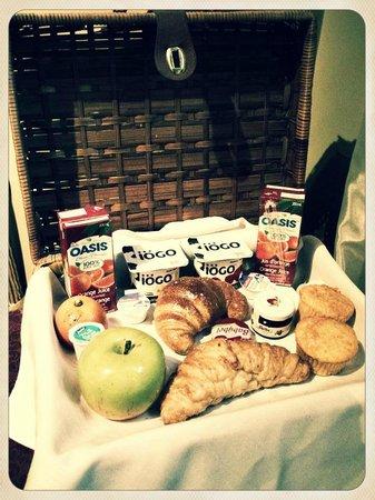 Auberge Le Pomerol: Breakfast Picnic Basket