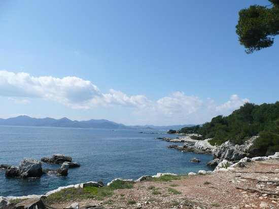 Iles de Lerins: There are dozens of viewpoints like this
