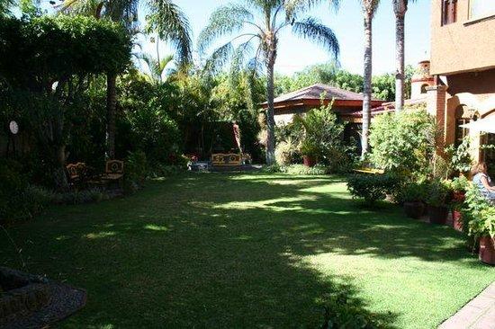 La Mansion del Sol: The hotel garden