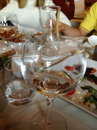 La Table du Trappeur : Snail in the glass