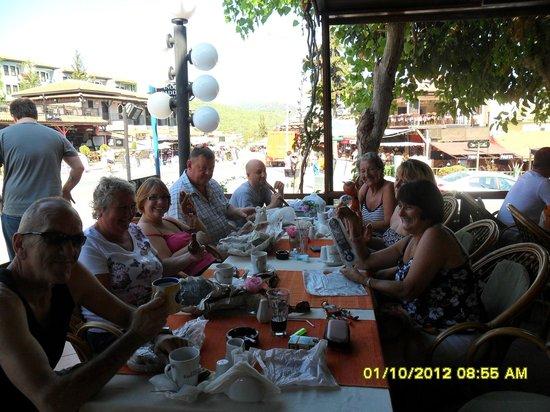 The Lemon Tree Restaurant: Family and friends at the Lemon tree