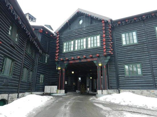 Fairmont Le Chateau Montebello: Vue de l'hôtel extérieur