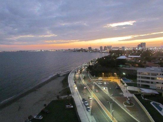 Camino Real Veracruz: Atardecer desde la habitación.