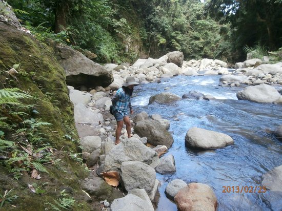 Casaroro Falls: Numerous Crossing-can be hazardous