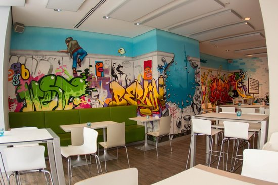 Ibis Styles Berlin Mitte: Breakfast area