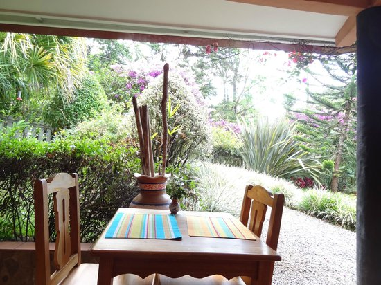Boquete Garden Inn: Breakfast area