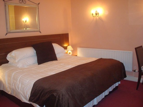 Nant Ddu Lodge Hotel & Spa: Largest bed I have seen