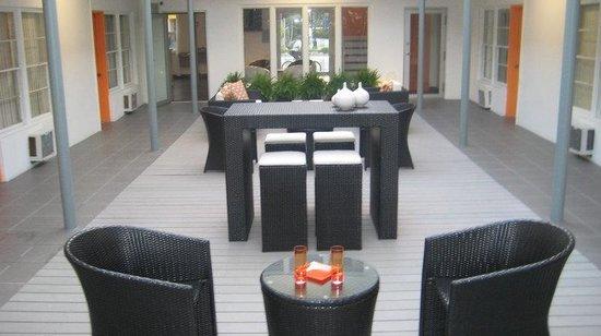 Knights Inn Miami Motel Bianco: Courtyard