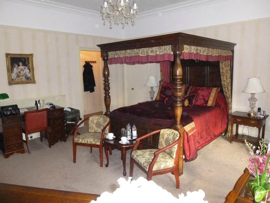 Lincoln House Private Hotel: Our bedroom