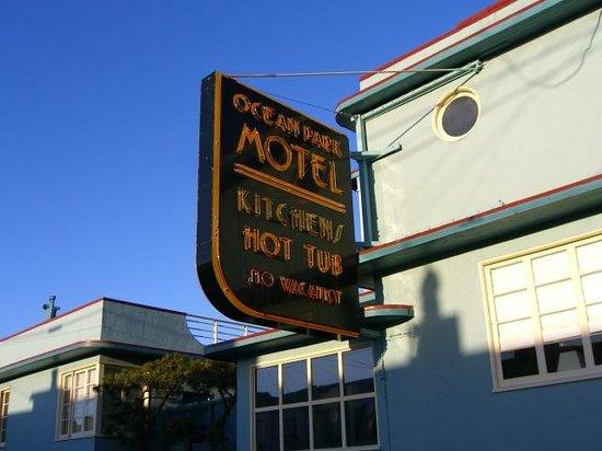 Ocean Park Motel : motel front