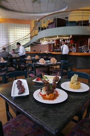 โรงแรมทันเดอเบิร์ดพาร์โด: Cafe 21