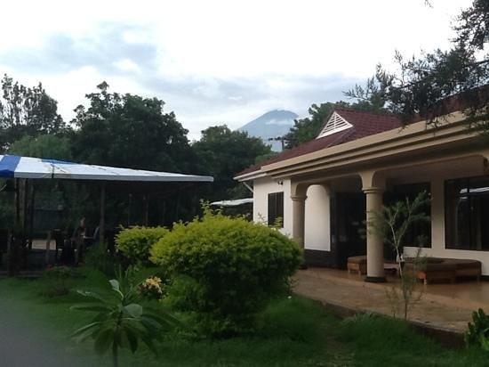 Mount Meru Hotel: Mount Meru!