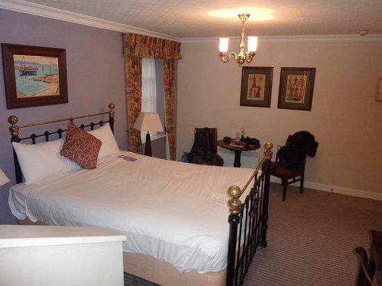 Etrop Grange: Bedroom.