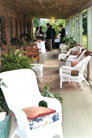 Monteagle Inn's expansive front porch