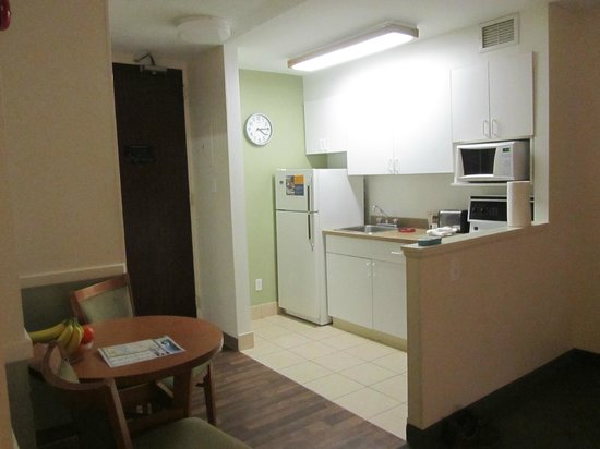 Extended Stay Canada - Ottawa: Kitchen