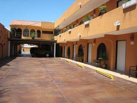 Baja Sol Suites: Parking
