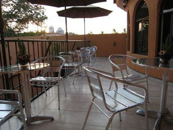 Baja Sol Suites: Bar-Lounge